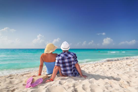 Couple-beach-backs-shutterstock_92275120-647