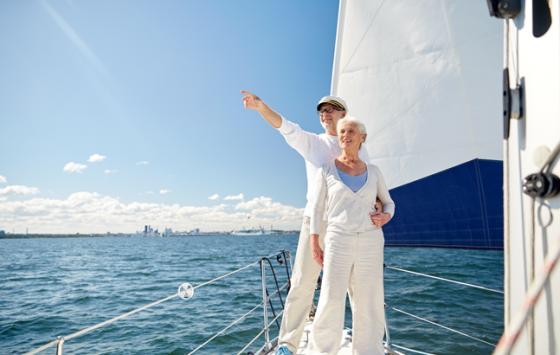 sail-couple-shutterstock_372482113-647